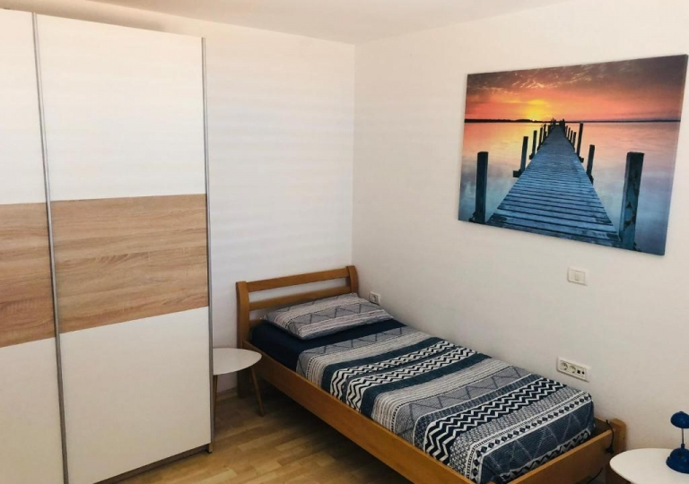 SUNNY OLD TOWN APARTMENT 3