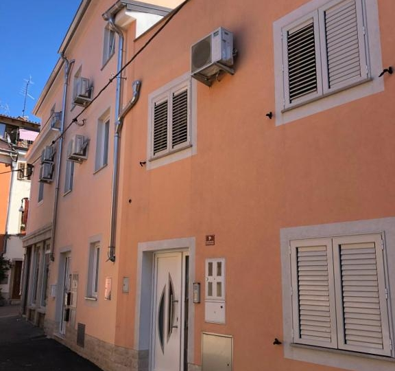 SUNNY OLD TOWN APARTMENT 5